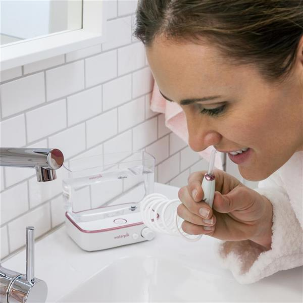 Using WF-04 White & Rose Gold Sidekick Travel Water Flosser