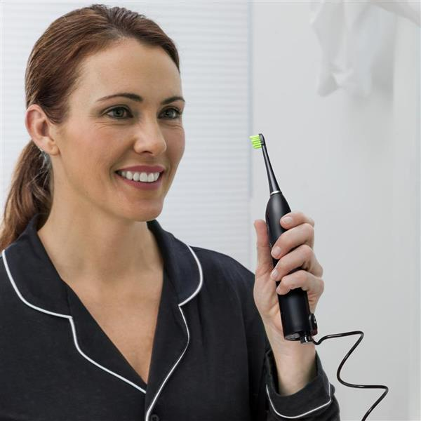 Using Black Sonic-Fusion Flossing Toothbrush - SF-01