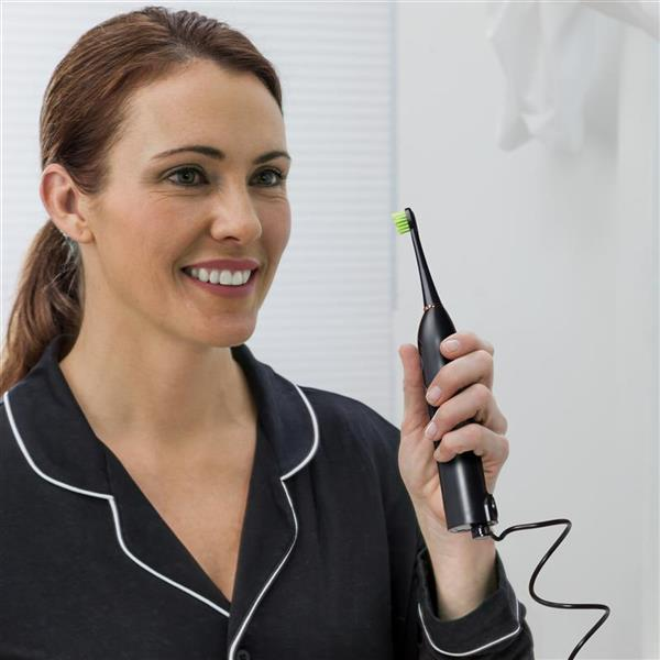 Using Black Sonic-Fusion Flossing Toothbrush - SF-02